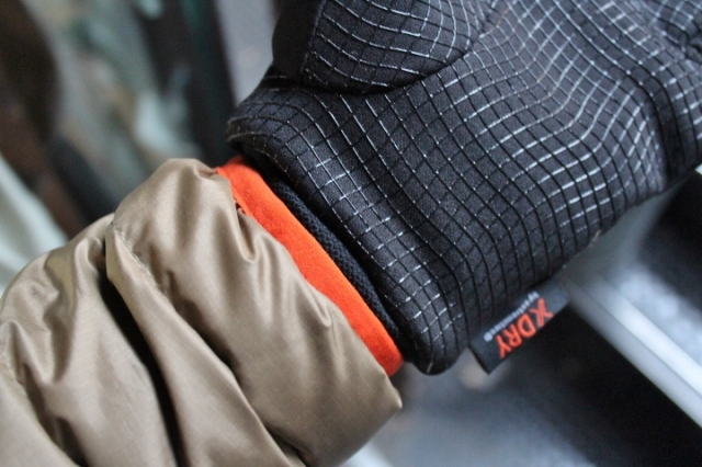 Extremities Insulated WP Sticky Power Liner Glove by Terra Nova